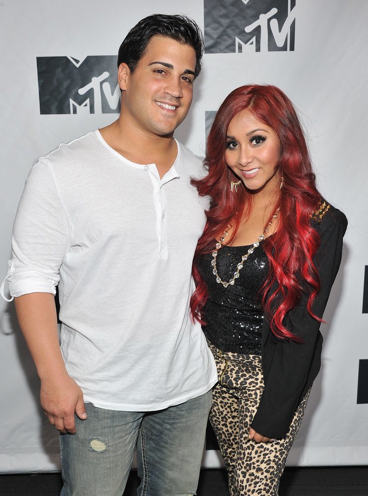 """They were at the W Hotel in Hoboken,"" Lavalle's jeweler Ben Bekdas <a href=""http://www.eonline.com/news/299516/snooki-s-enga"