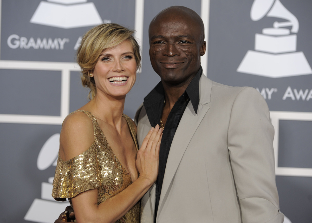 """[Seal] took me by helicopter,"" <a href=""http://www.people.com/people/article/0,,20198608,00.html"">Klum told Marie Claire</a>"