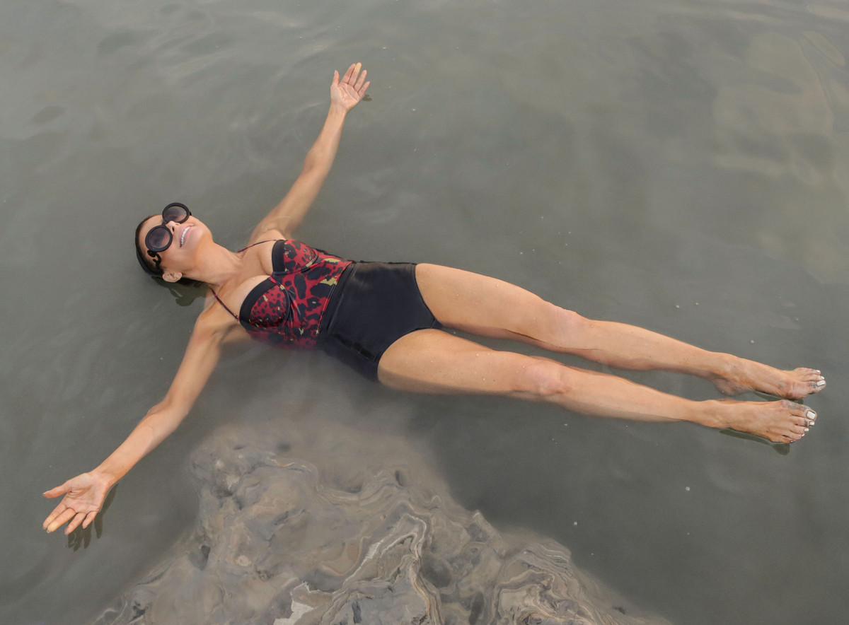 Paula Abdul visits the Dead Sea on November 1, 2013 in Israel. (Photo by Tiffany Rose/WireImage)