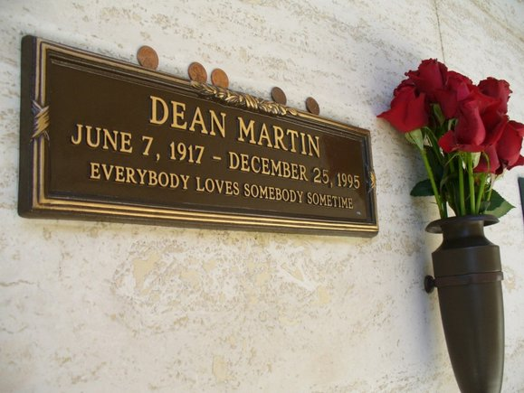 "Famed singer Dean Martin was called <a href=""http://www.deanmartin.com/bio"" target=""_blank"">""the coolest man who ever lived,"""