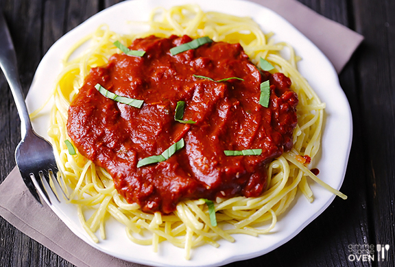 "<strong>Get the <a href=""http://www.gimmesomeoven.com/pasta-with-dark-chocolate-marinara-sauce/"" target=""_blank"">Pasta with D"
