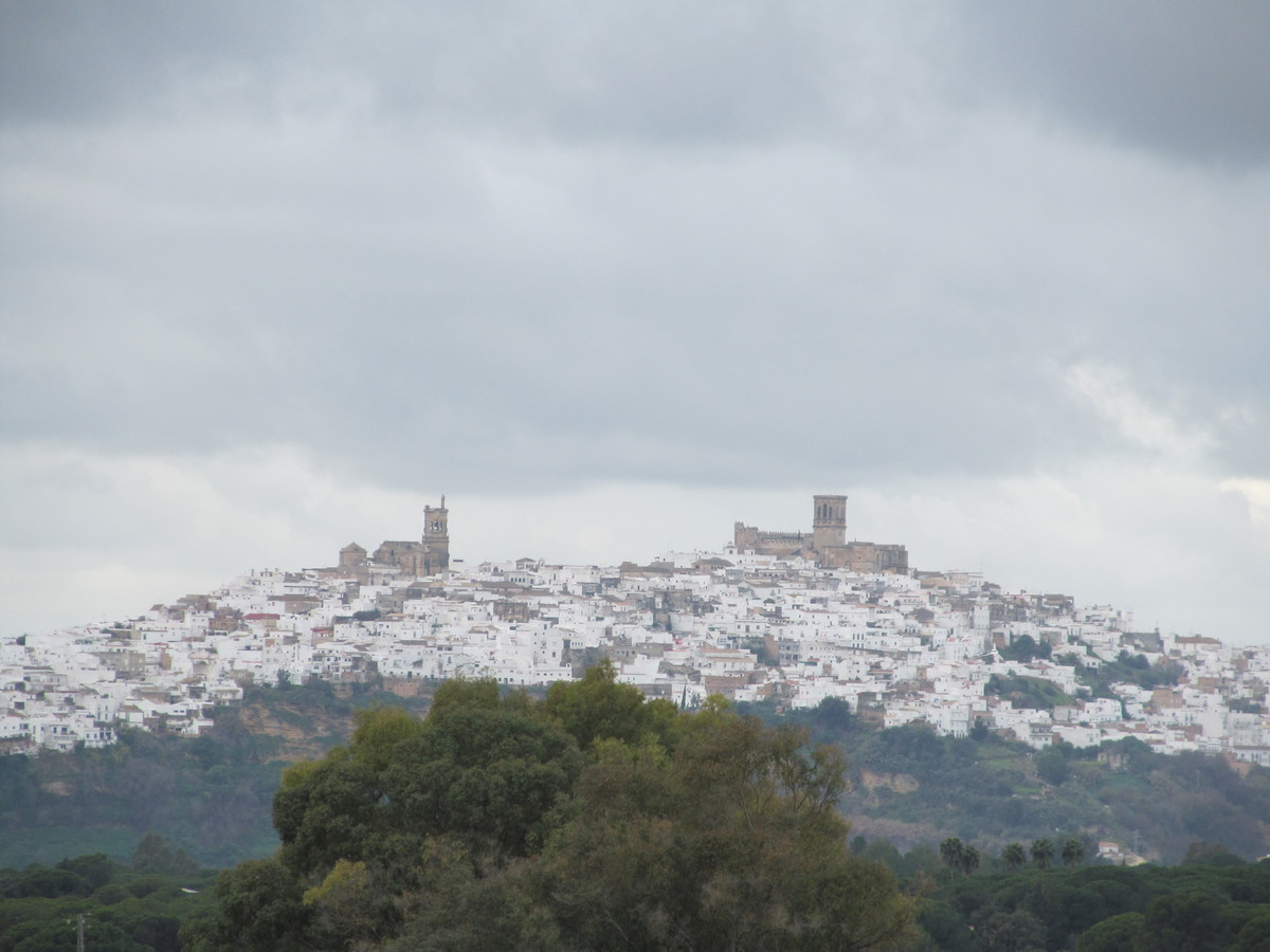 A panorama of Arcos de la Frontera, one of the most easily reachable of Spain's pueblo blancos. The town, with monuments dati