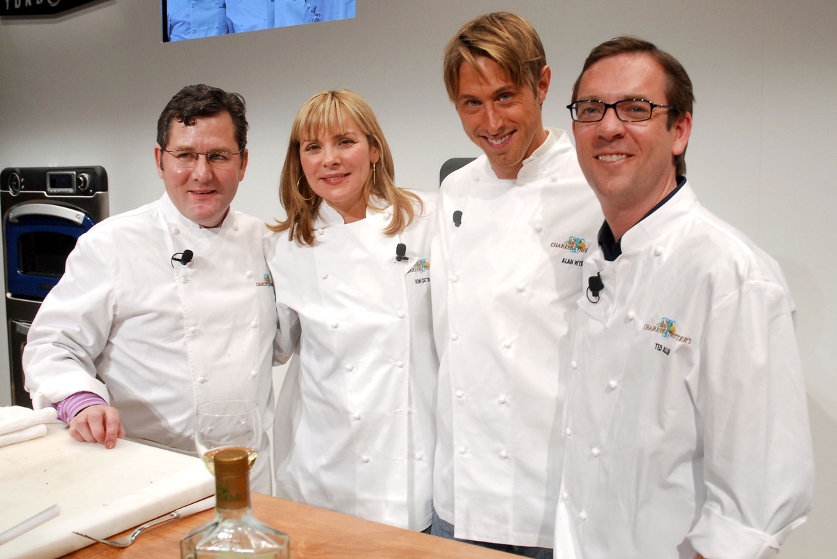 NEW YORK - APRIL 11:  (L-R) Chef Charlie Trotter, actress Kim Cattrall, Chef Alan Wyse, and Ted Allen help launch the Turboch