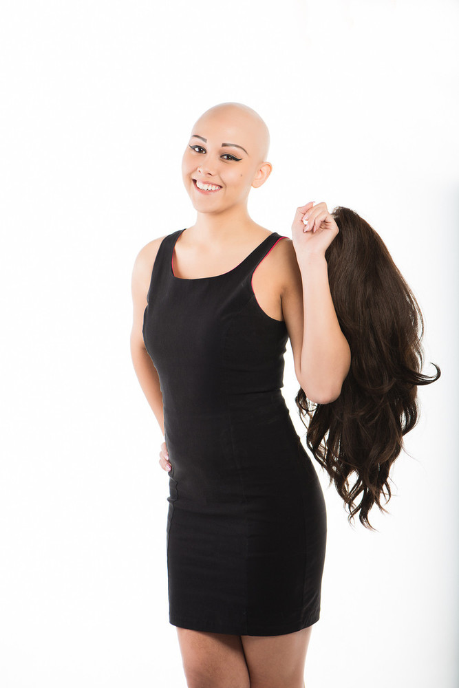 """Teen With Alopecia Wins <a href=""""https://www.facebook.com/pages/Miss-Philippines-Earth-USA/175627362452137"""">Pageant</a> (Clif"""