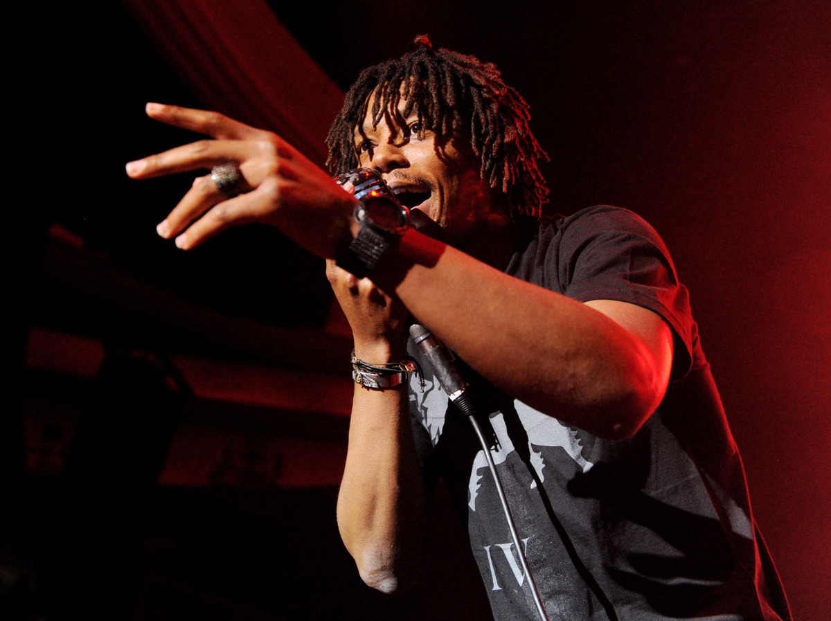 """Leave your tomatoes at home, Lupe Fiasco concertgoers. The 31-year-old rapper <a href=""""http://www.huffingtonpost.com/2013/11/"""