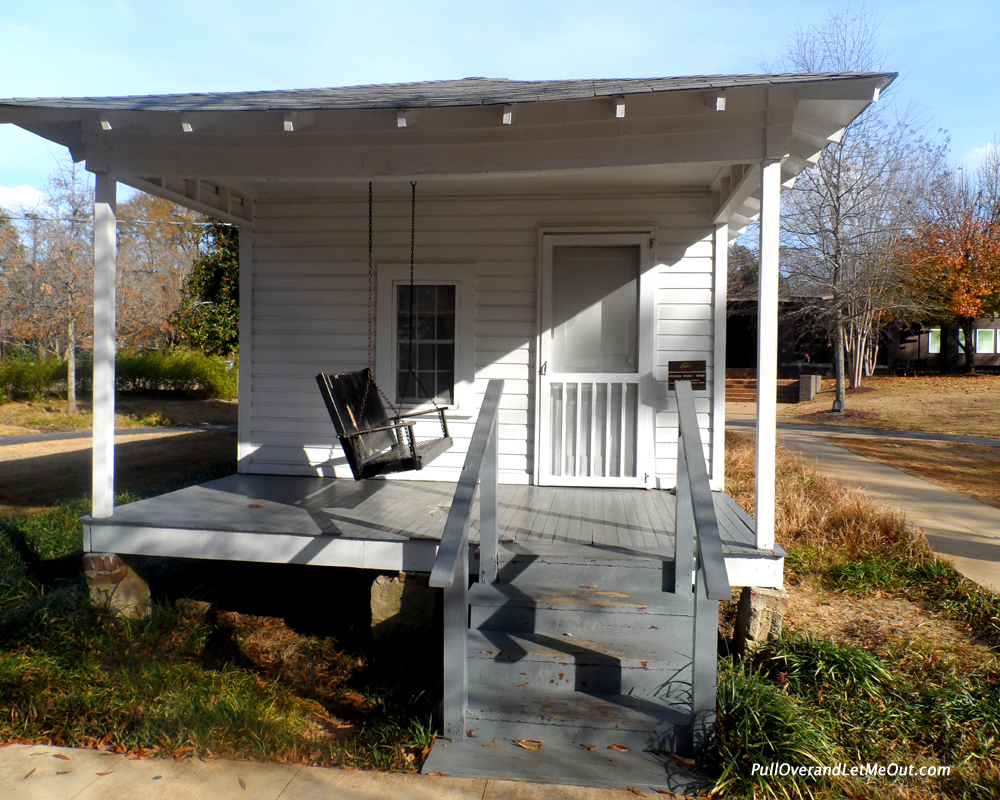 """Elvis Presley's birthplace in Tupelo, Mississippi  -<a href=""""pulloverandletmeout.com"""" target=""""_blank"""">Anna Marie Jehorek </a>"""
