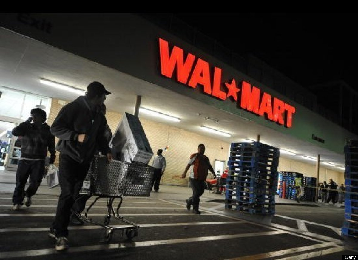 "Walmart will be starting its Black Friday deals <a href=""http://www.huffingtonpost.com/2013/11/12/walmart-thanksgiving-hours-"