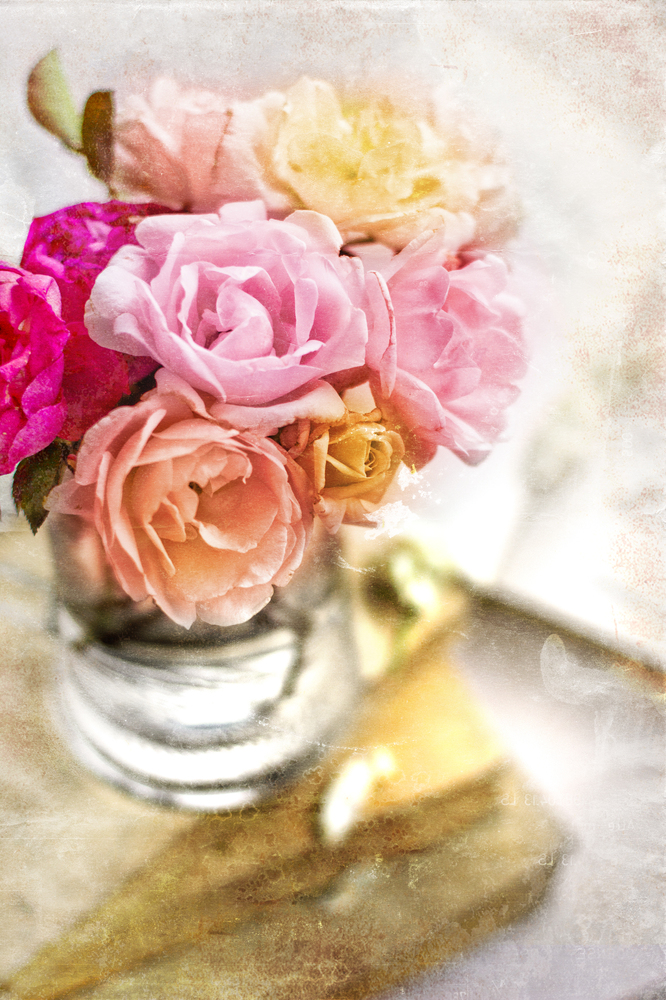 Flowers are just lovely … until they die. Make your bouquet last longer with aspirin! Crush aspirin and add it to a vase of w