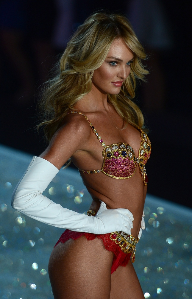Model Candice Swanepoel wears a 10 US-million bra during the 2013 Victoria's Secret Fashion Show at the Lexington Avenue Armo