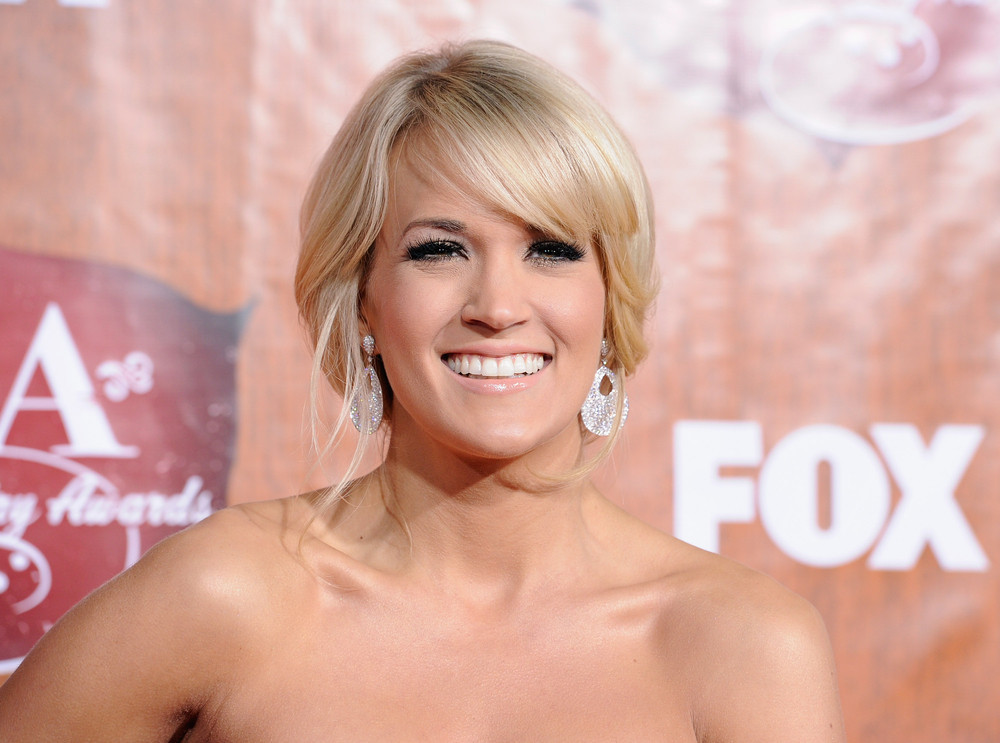 """Growing up on a farm, Carrie Underwood says she became a vegetarian at <a href=""""http://tasteofcountry.com/carrie-underwood-ve"""
