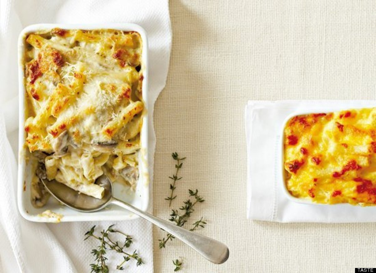"""<strong>Get the <a href=""""http://www.huffingtonpost.com/2011/10/27/basic-macaroni-cheese_n_1057575.html"""" target=""""_hplink"""">Basi"""