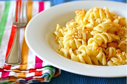 """<strong>Get the <a href=""""http://www.annies-eats.com/2011/01/27/muenster-mac-and-cheese/"""" target=""""_blank"""">Muenster Mac & Chees"""