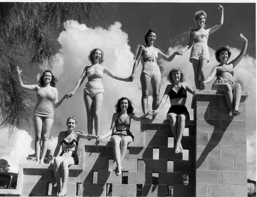 1947 - the park's first mermaids