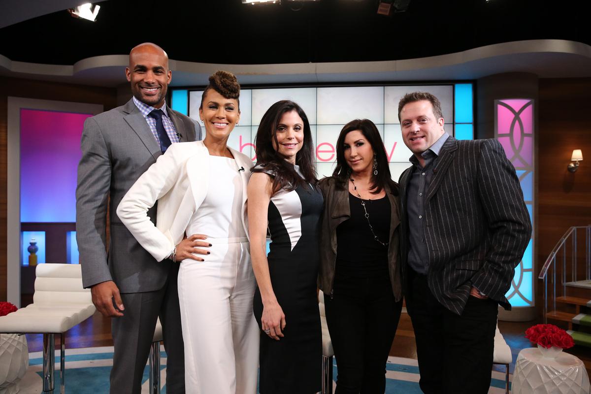 NEW YORK - NOVEMBER 13:  Bethenny Frankel (C) hosts Kenny 'Babyface' Edmonds (not pictured), (L-R) Boris Kodjoe, Nicole Ari P