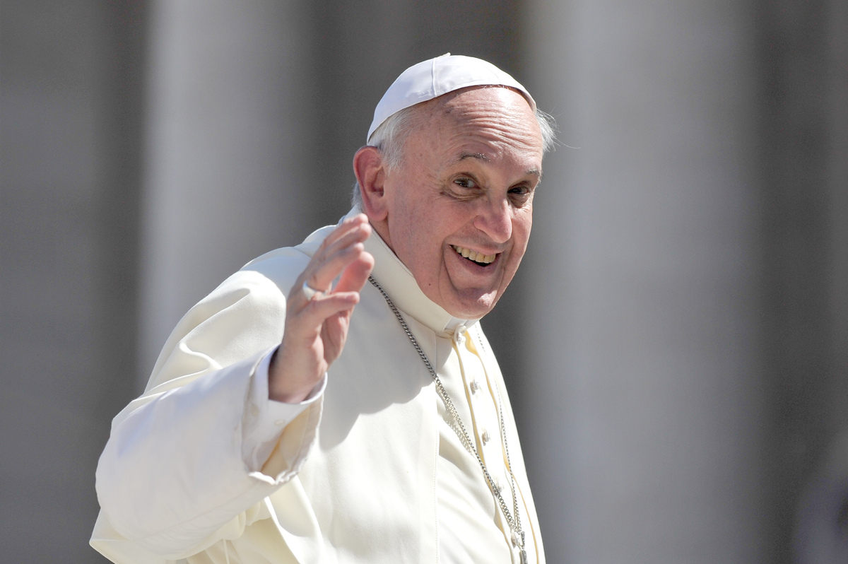 """Who am I to judge a gay person?""  <a href=""http://www.huffingtonpost.com/2013/07/29/pope-francis-gays_n_3669635.html"" target"