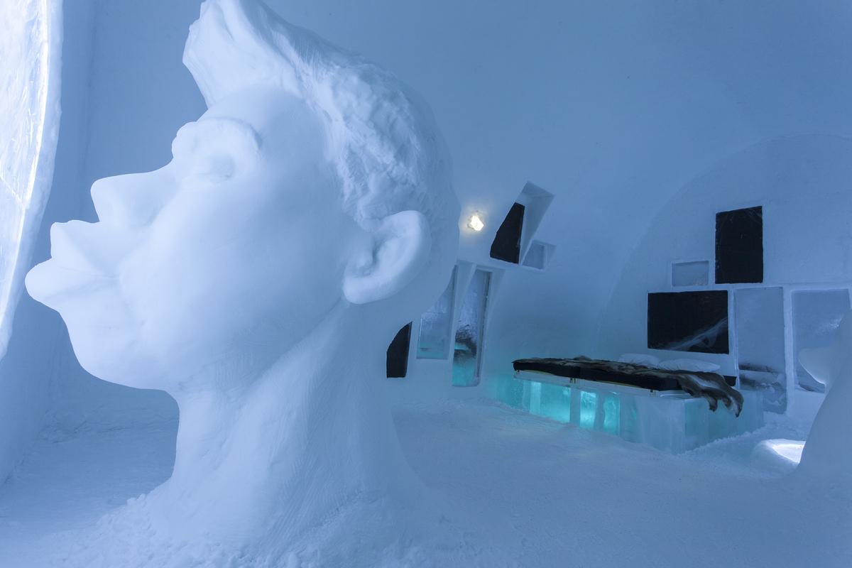 "<a href=""http://www.icehotel.co.uk/"">Ice Hotel</a> (<a href=""http://www.stromqvistdesign.com/"">Christian Strömqvist</a>)"