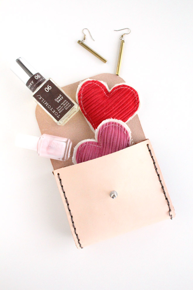 45 awesome diy gift ideas that anyone can do photos huffpost 3 leather pouch solutioingenieria Images