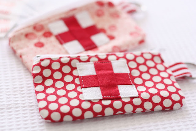 """This <a href=""""http://www.huffingtonpost.com/2012/09/24/craft-of-the-day-emergency-pouch_n_1910203.html""""> zippered pouch</a> i"""