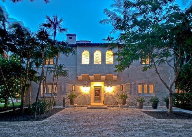 Area: Miami Beach Bedrooms: 7 Bathrooms: 6 full Sq. footage: 9,854  Built: 1929 Notes: Reportedly once home to Jennifer Lopez