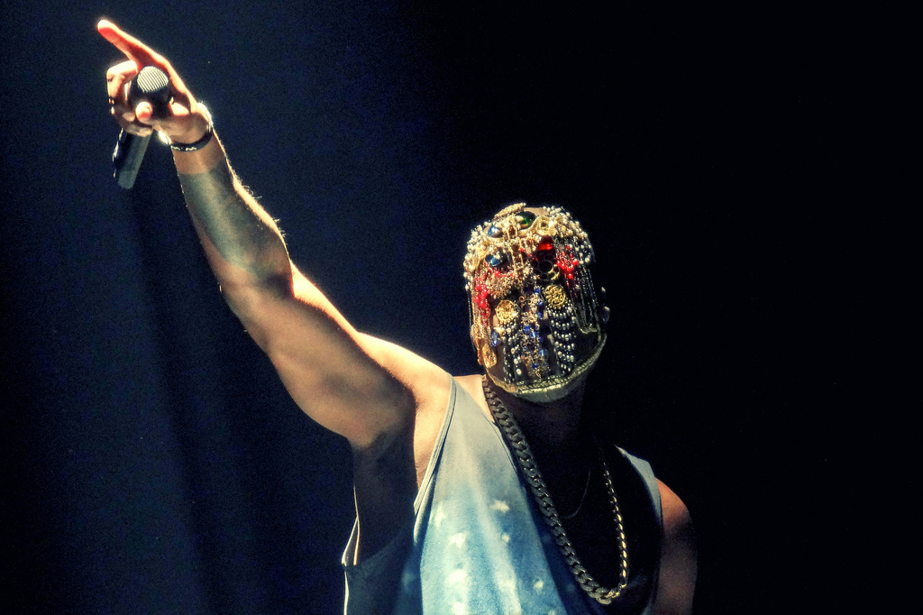 Kanye West At United Center: 'Yeezus' Tour Comes To Chicago (PHOTOS) |  HuffPost