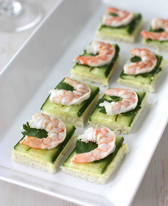 27 gorgeous celebratory canap recipes huffpost for Mini prawn cocktail canape