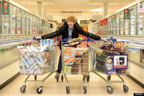 """<a href=""""http://www.telegraph.co.uk/topics/christmas/10525022/Teenager-buys-600-worth-of-shopping-for-4p-and-donates-food-to-"""