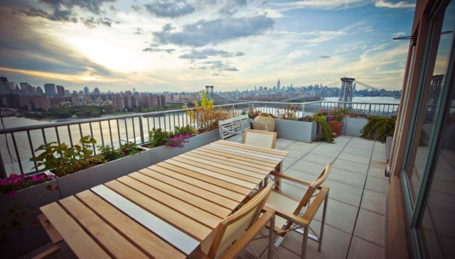 """This home has one of the best views of New York City out there.  Photos courtesy of <a href=""""http://www.lovehomeswap.com/home"""