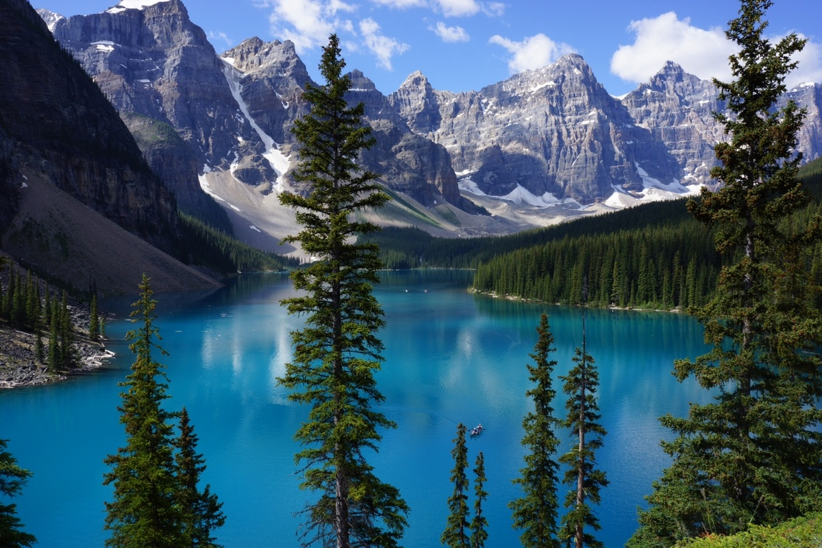 Banff National Park, Canada.   -@whatgoesaroundo