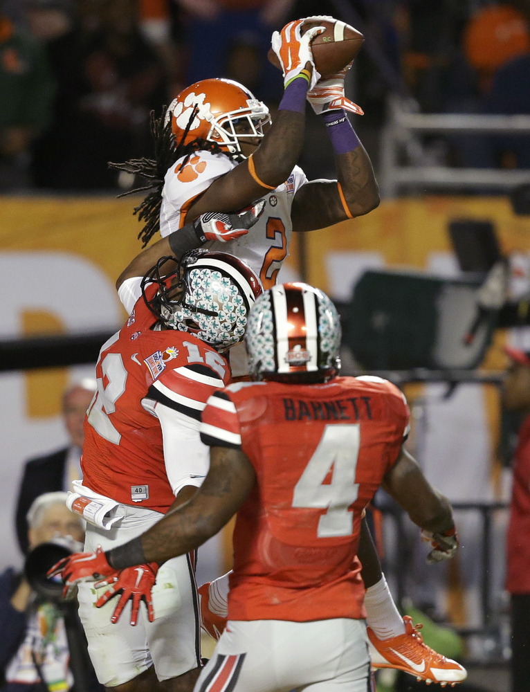 Clemson wide receiver Sammy Watkins (2) makes a catch for a touchdown over Ohio State cornerback Doran Grant (12) and safety