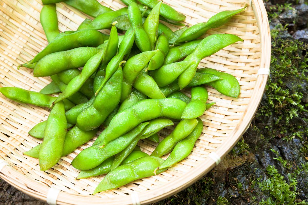 "<a href=""http://health.usnews.com/best-diet/flexitarian-diet"">The Flexitarian diet</a>, which emphasizes fruits, veggies, who"