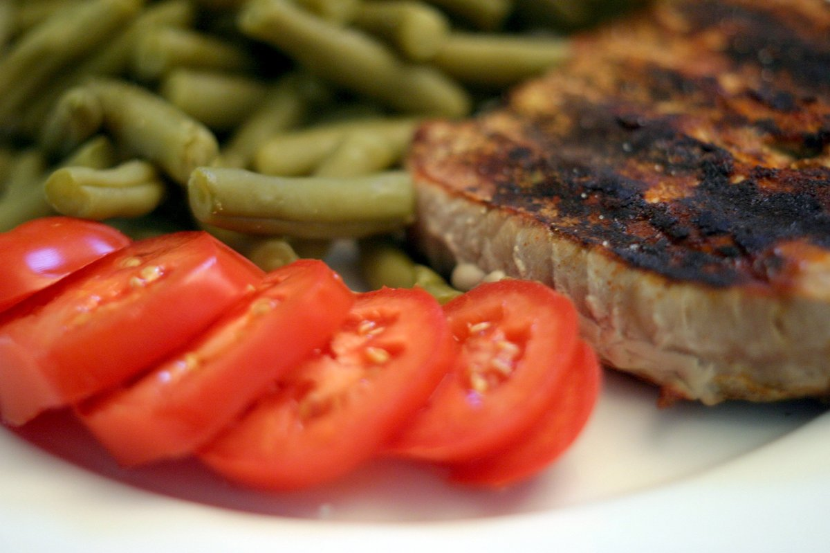 """Although <a href=""""http://health.usnews.com/best-diet/south-beach-diet"""">the South Beach Diet</a> earned positive ratings for b"""