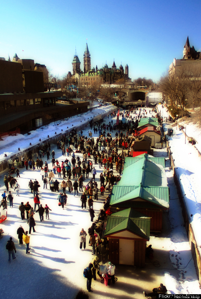 "<a href=""http://www.cheapflights.com"" target=""_hplink"">Cheapflights.com</a> begins its ice skating adventures in Canada's cap"