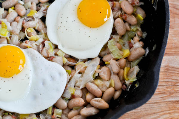 "<strong>Get the <a href=""http://www.howsweeteats.com/2011/01/white-bean-breakfast-hash/"">White Bean Breakfast Hash recipe fro"