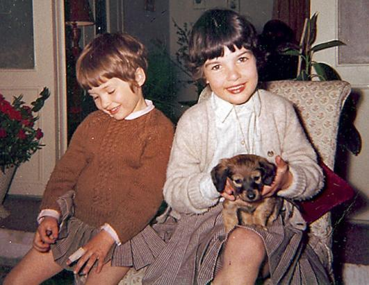 Christiane Amanpour grew up in Tehran, Iran with an Iranian Muslim father and a Christian mother from England. Though she att