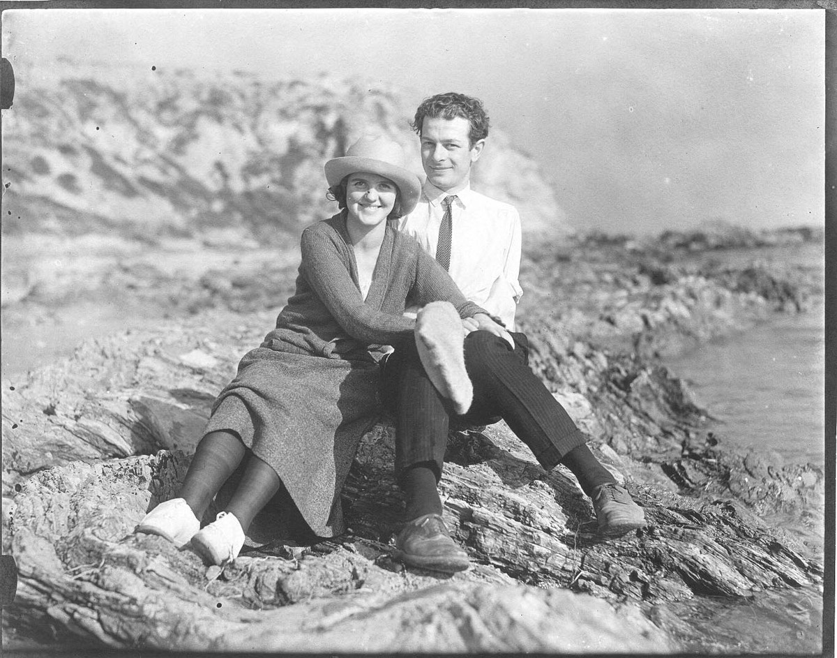 American chemist Linus Pauling (1901-1994) with his wife, Ava.