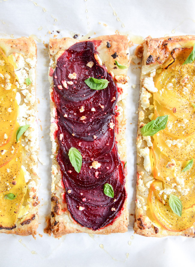 "<strong>Get the <a href=""http://www.howsweeteats.com/2014/08/roasted-beet-goat-cheese-and-honey-drizzled-tarts/"" target=""_bla"