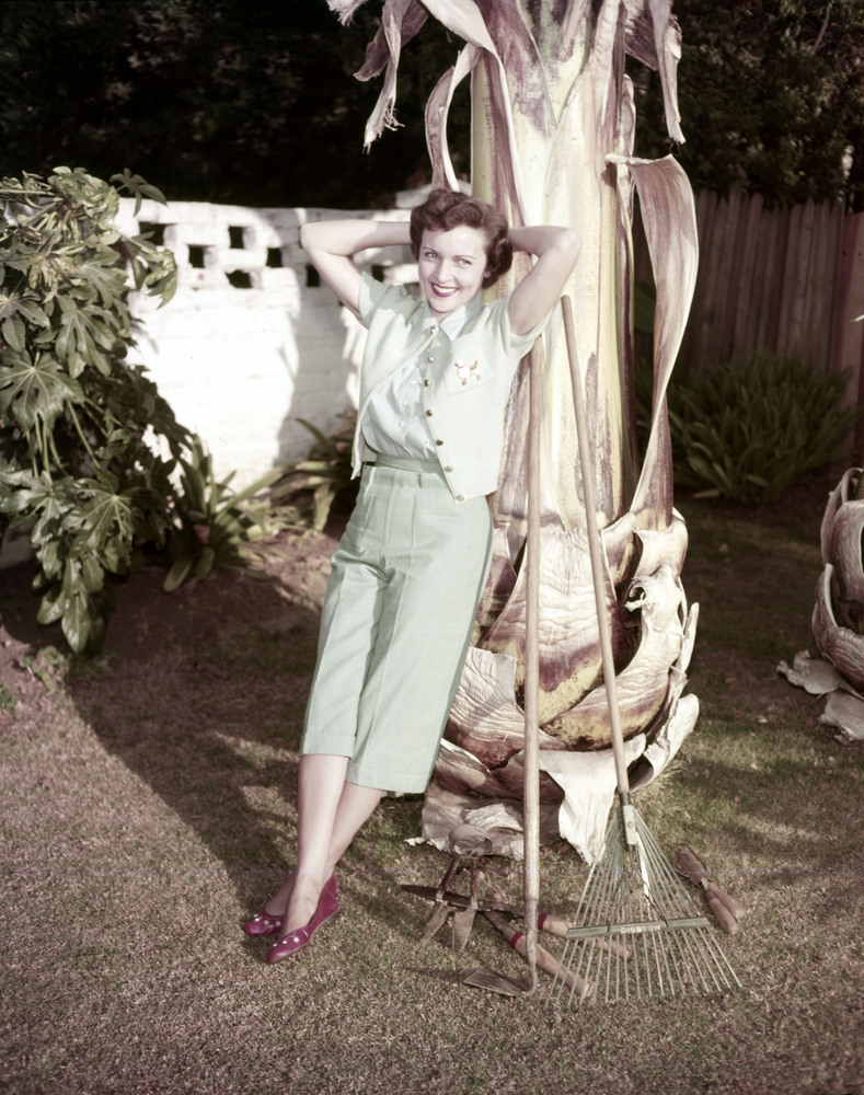 35 fabulous vintage pics of betty white in honor of her 92nd 35 fabulous vintage pics of betty white in honor of her 92nd birthday photos bookmarktalkfo Images