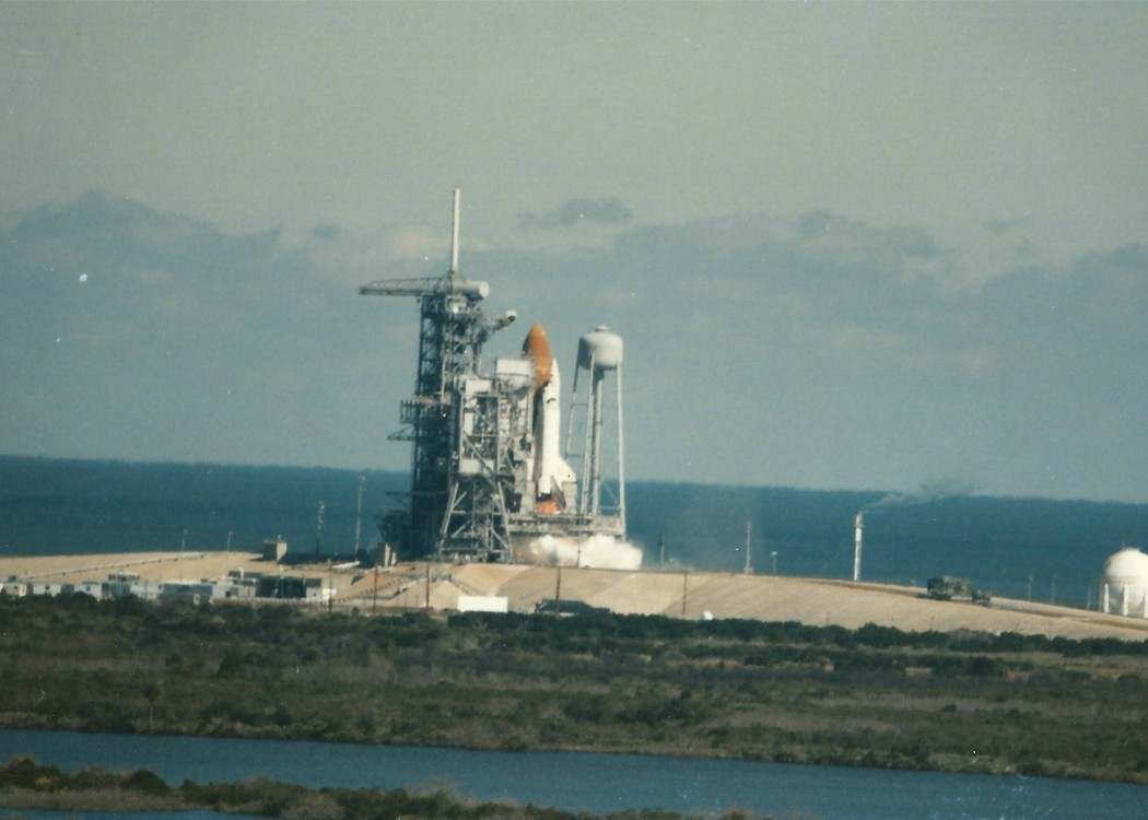 """Long-Lost Photos Of Challenger Shuttle Explosion Are Found (<a href=""""http://imgur.com/a/6t1HW"""">Michael Hindes</a>)"""