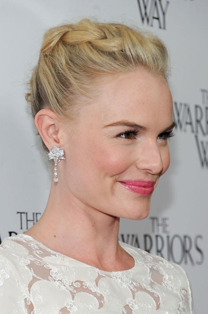 LOS ANGELES, CA - NOVEMBER 19:  Actress Kate Bosworth arrive at 'The Warrior's Way' screening held at CGV Cinemas on November