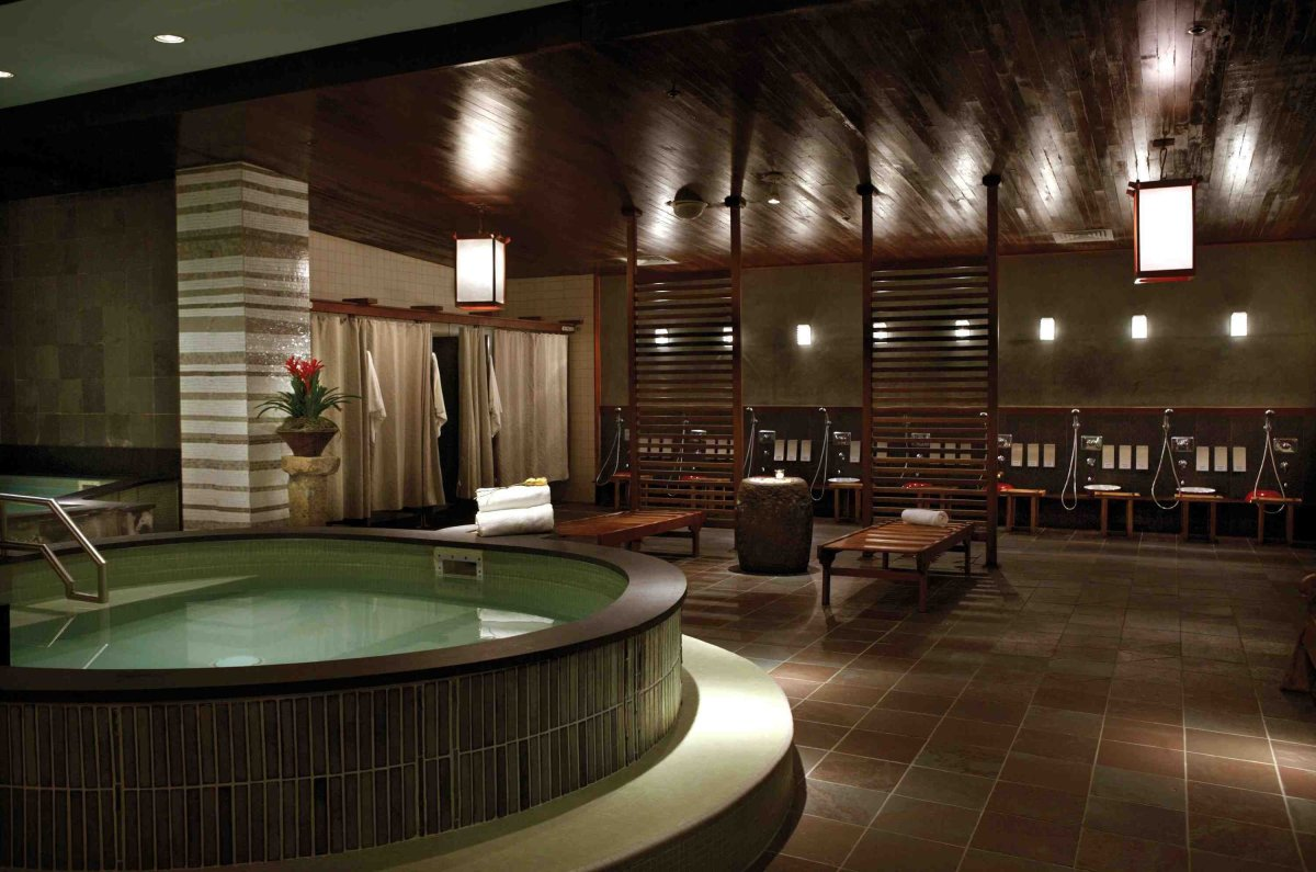Take in the traditional Japanese communal bath experience at Kabuki Springs & Spa. (Photo ©Joie de Vivre)