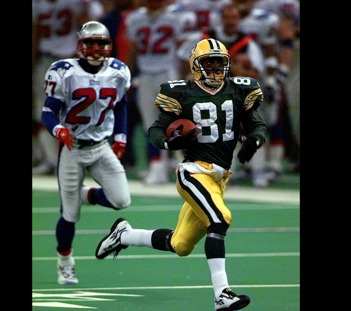 One of the great return specialists of the modern era, Howard totaled a then-record 244 yards in Super Bowl XXXI: 90 punt ret