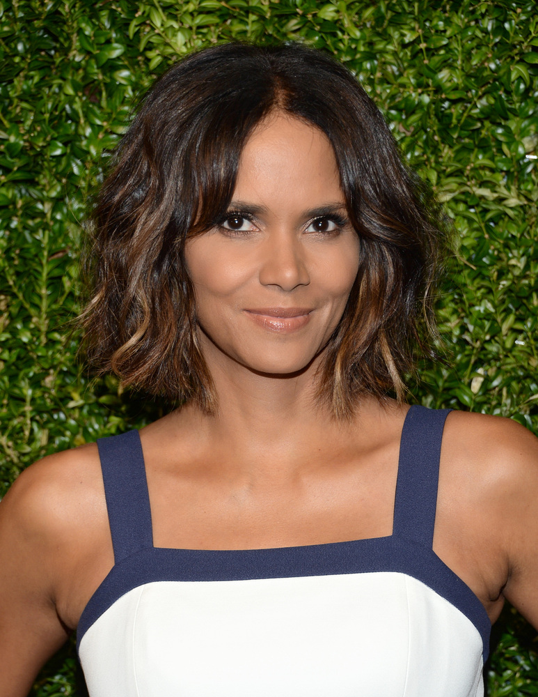 Halle Berry arrives at the God's Love We Deliver Golden Heart Awards on Thursday, Oct. 16, 2014, in New York. (Photo by Evan