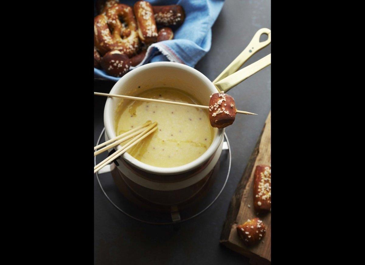 "<a href=""http://www.imbibemagazine.com/Beer-Cheese-Fondue-Recipe"" target=""_hplink""><strong>Beer Cheese Fondue</strong></a> H"