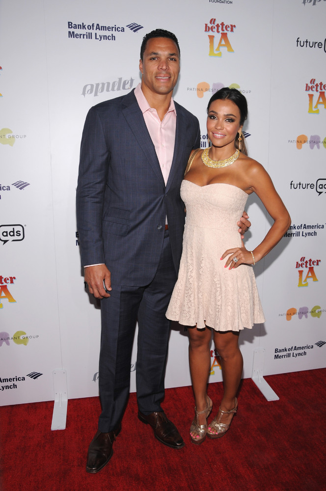 Hot Football Wives And Girlfriends To Distract You From The Super Bowl | HuffPost