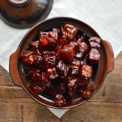 "<strong>Get the <a href=""http://thewoksoflife.com/2014/04/shanghai-style-braised-pork-belly/"" target=""_blank"">Shanghai-Style"