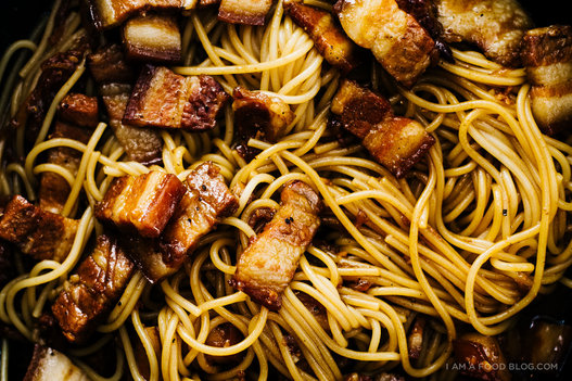 "<strong>Get the <a href=""http://iamafoodblog.com/vietnamese-caramelized-pork-belly-pasta/"" target=""_blank"">Vietnamese Caramel"