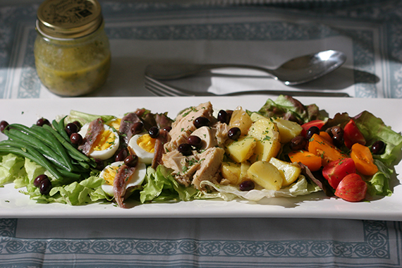 "<strong>Get the <a href=""http://food52.com/recipes/6162-nicoise-salad"" target=""_blank"">Niçoise Salad recipe </a>by Globetrott"