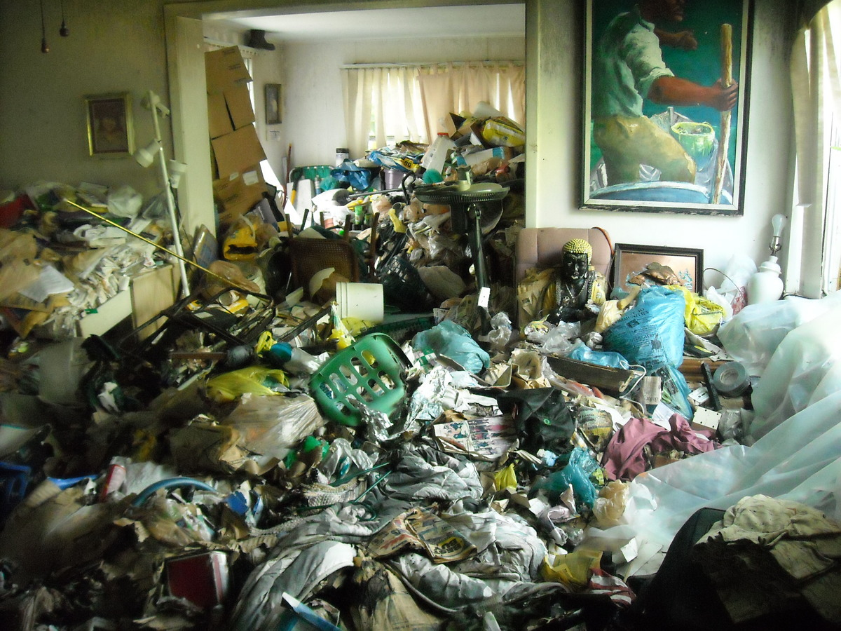 Kitchen Cabinet Trash The Dirty Stinking Truth About Real Life Hoarders