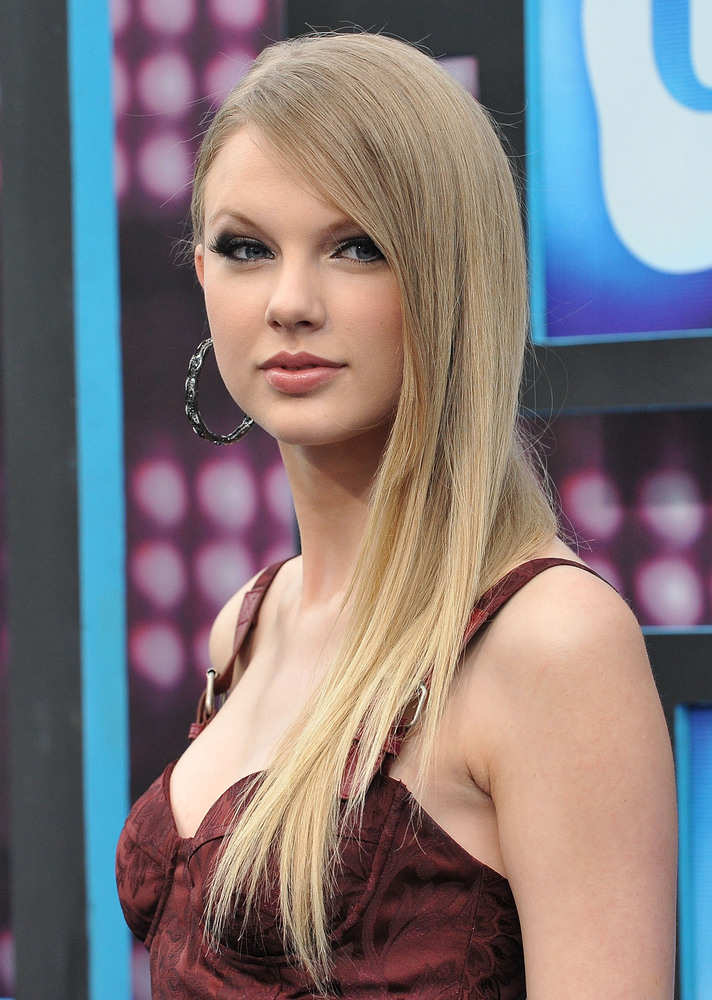 Taylor Swift Natural Hair Color Find Your Perfect Hair Style