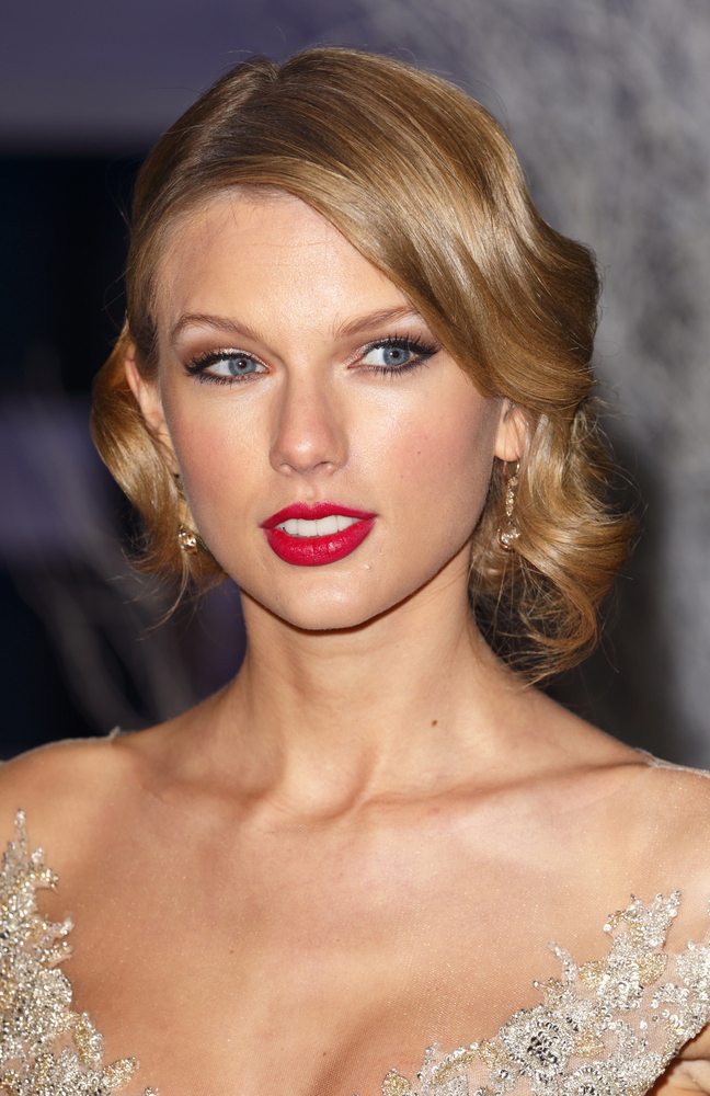Taylor's bangs eventually blended into her hair.